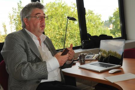 Elections 2014 : Yves Poullet respecte le droit de liberté d'Hendrik Vuye