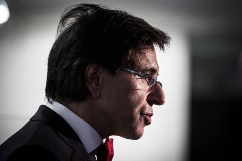 Exclus du chômage : Elio Di Rupo répond