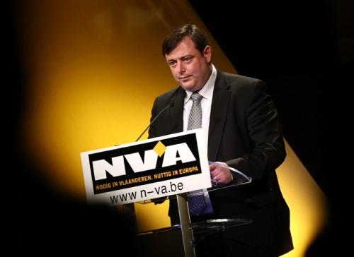 Estimation électorale en Flandre, la N-VA reste en tête.