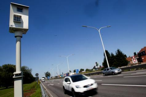 Pour Hilde Crevits (CD&V) il faudrait encore plus de radars fixe le long des autoroutes