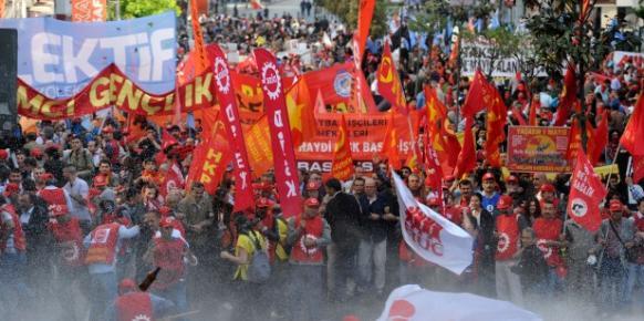 A Istanbul, la place Taksim une forteresse face aux manifestants