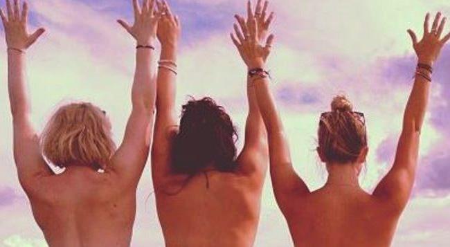 Tour du monde topless