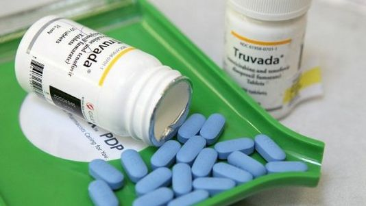 Truvada : débat sur ce traitement préventif contre le SIDA