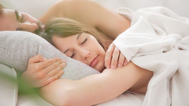 Couple heureux, la recette, le sommeil à deux
