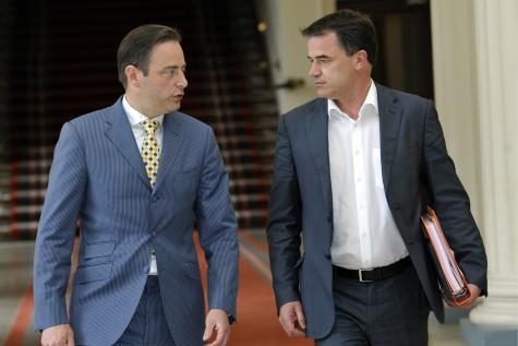 Le roi prolonge encore la mission de Bart De Wever
