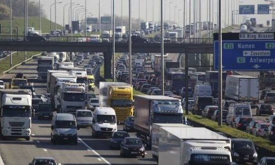 Soleil - football - embouteillages et accidents