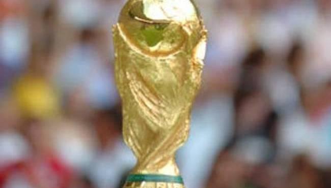 Voyage d'élèves au Brésil pour la Coupe du Monde de Football, cela ne plaît pas à tout le monde !