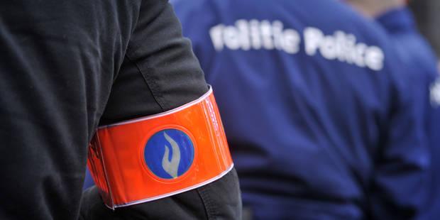 Avenue des Arts à Bruxelles : Le périmètre de sécurité a été levé après l'enlèvement du colis suspect