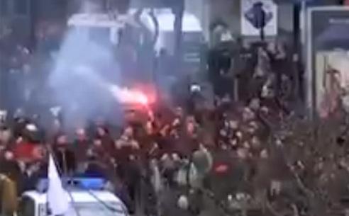 Les hommages aux victimes des attentats de Bruxelles perturbés par des manifestants nationalistes